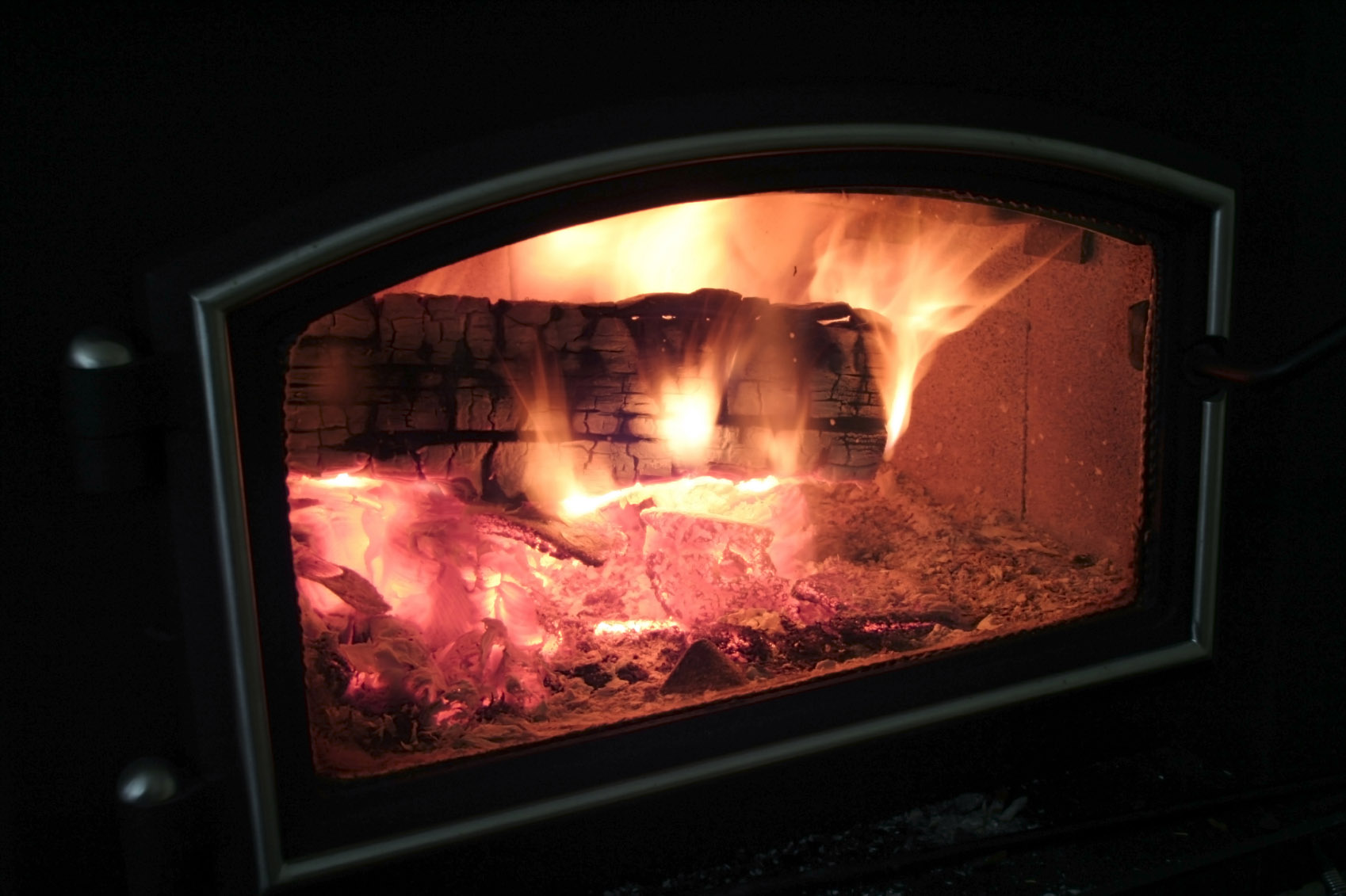 EPA Imposes Tougher Rules for Wood-Burning Stoves