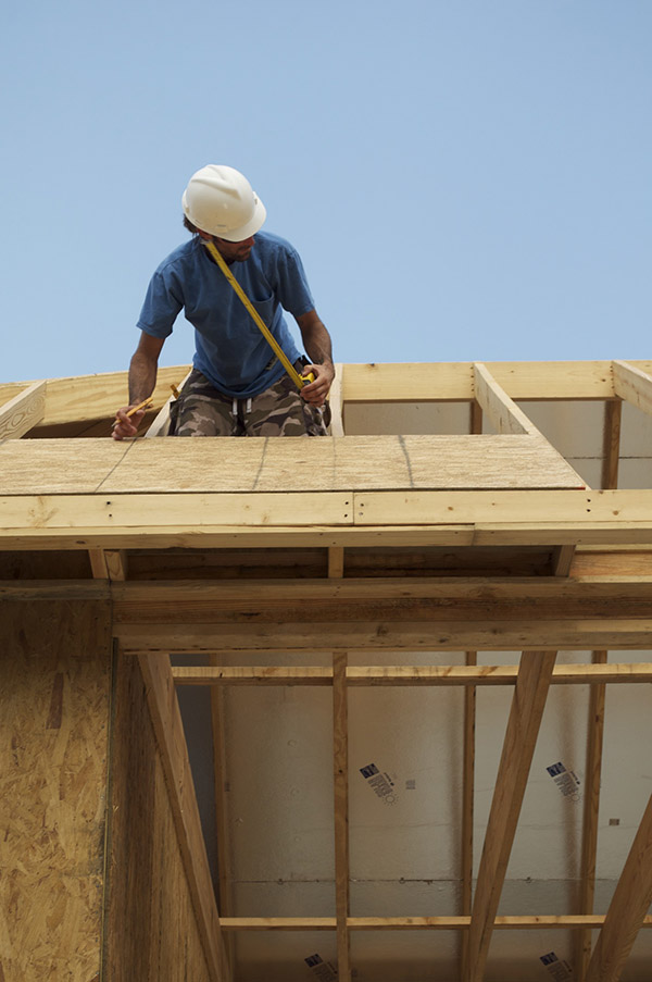 Common Mistakes to Avoid when Installing Roof Sheathing