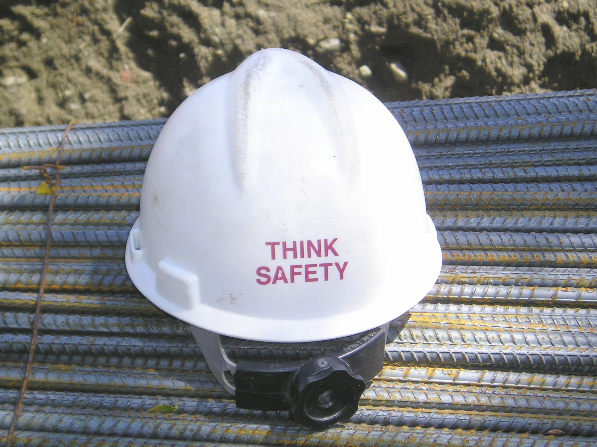 Dangers of Confined Spaces for Work Crews