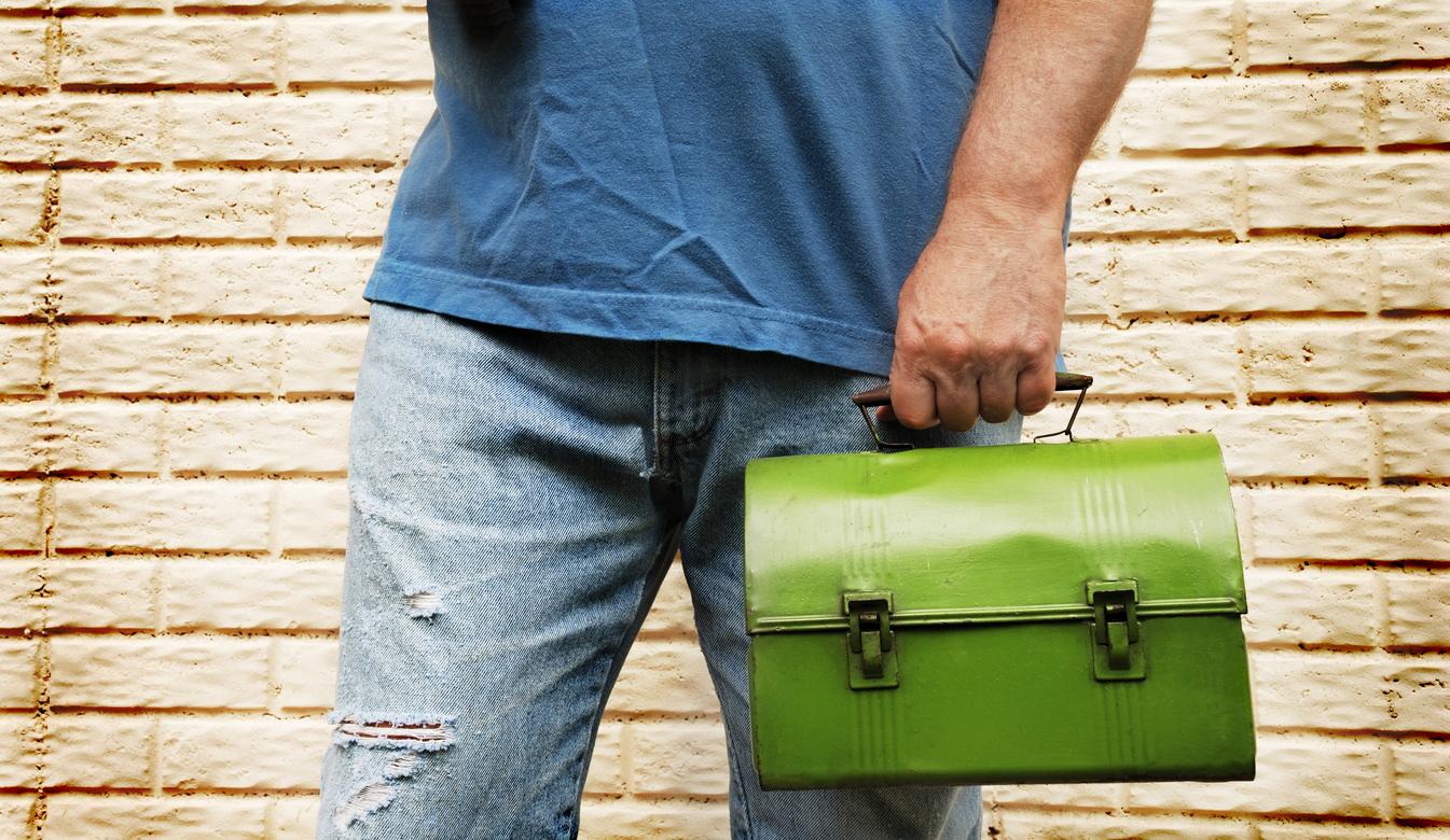 Canadian Contractors' Lunchbox Challenge Helps Local Restaurants